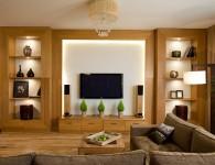 эта квартира опубликована в журнале «идеи вашего дома» номер 11-2010 производители: Teak House — обеденная группа, напольные торшеры и стулья в прихожей